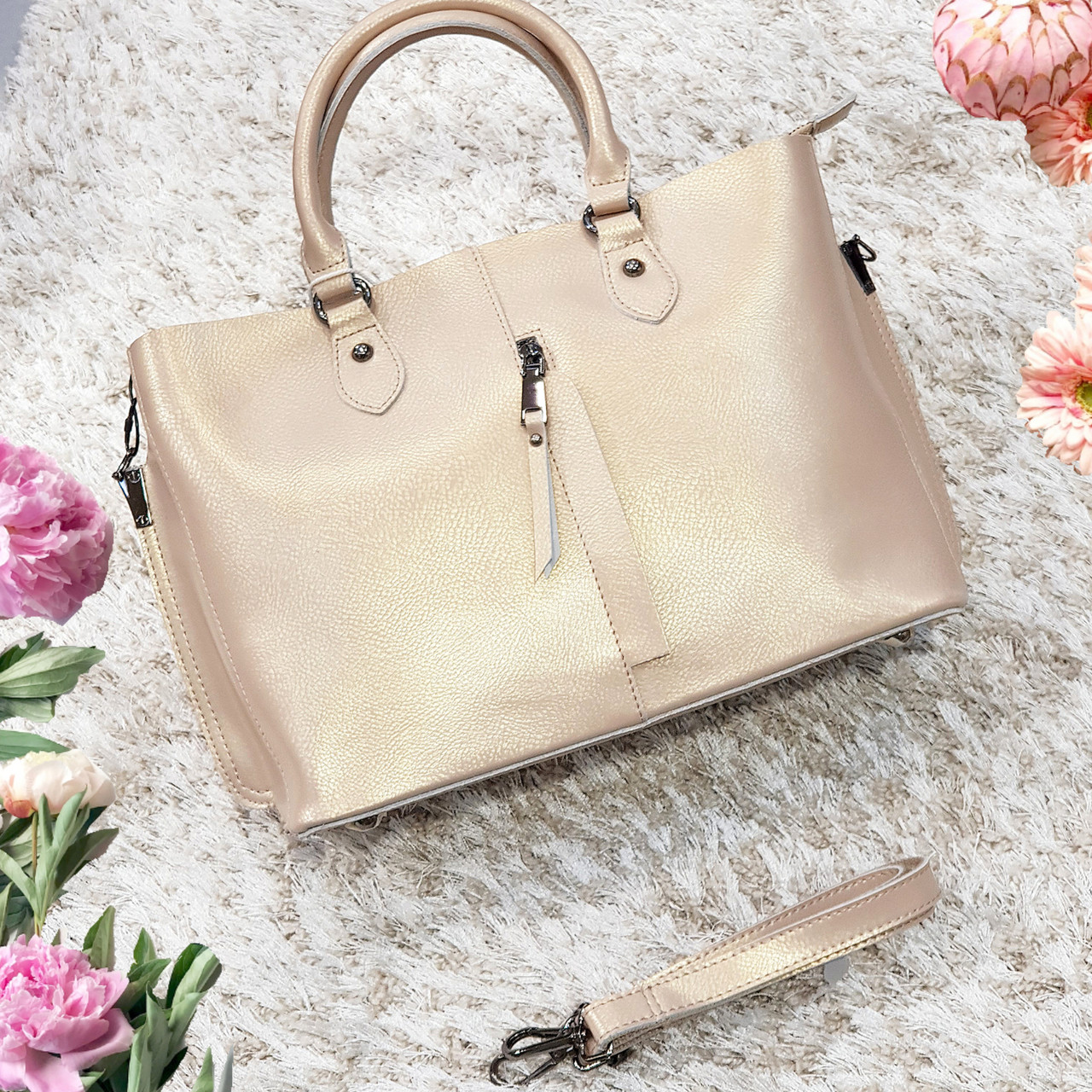 Женская бежевая перламутровая сумочка из натуральной кожи