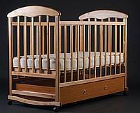 Деревянная кроватка-люлька с опускающимися перилами и ящиком