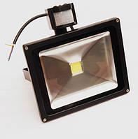 Прожектор светодиодный YMFL-20Вт с датчиком движения 220В