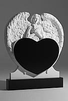 Памятник гранитный Ангел с сердцем №299