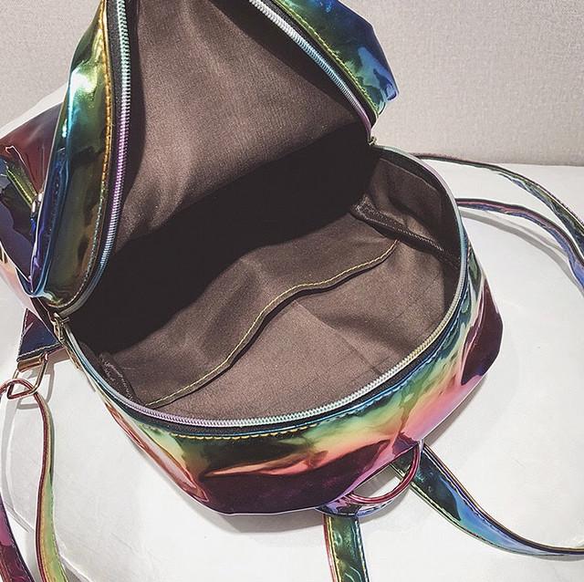 Радужный рюкзак внутри