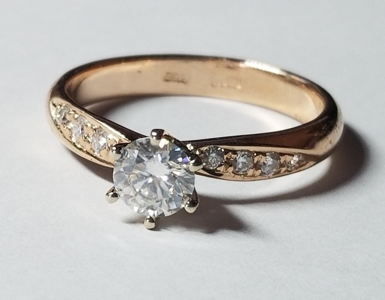 Золотое кольцо 585 проба Муассанит Размер 16.5