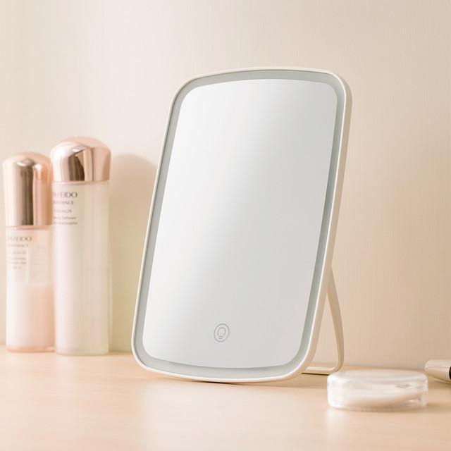 Зеркало для макияжа Jordan Judy LED Makeup Mirror NV026 крупным планом