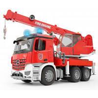 Спецтехника Bruder Большая пожарная машина с краном МВ Arocs М1:16 (03675)
