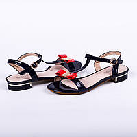 Красивые сандалии на низком ходу Modern Stile