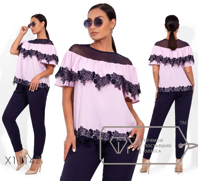 Летний брючный костюм: блуза с двустороней кокеткой и кружевной отделкой, брюки зауженные, на резинке (не тянутся) X11147
