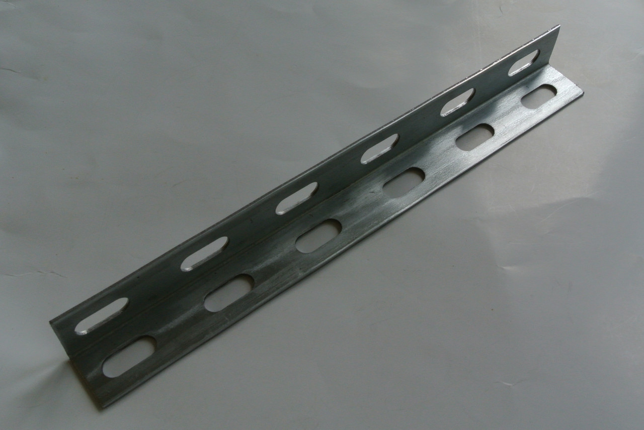 Уголок перфорированный 30х30х2,0 мм