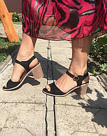 Женские босоножки черные на устойчивом каблуке, фото 1