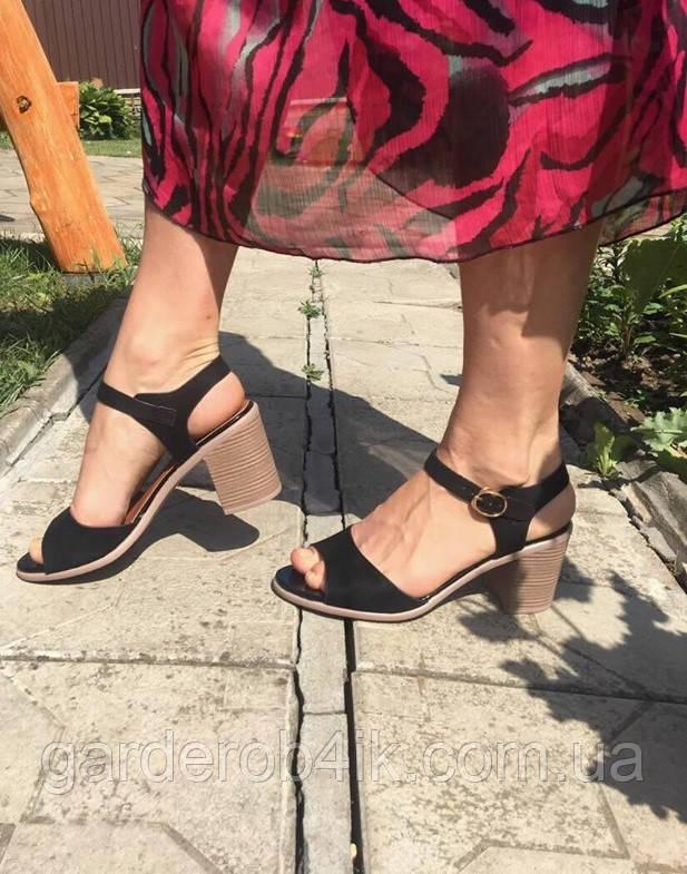 Женские босоножки черные на устойчивом каблуке