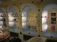 Стеклянные витрины и полки. Заказать,цена, Киев