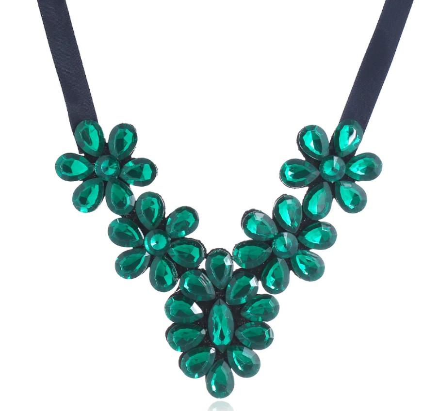 Ожерелье Стеклянные цветы Макси/бижутерия/цвет ленты черный/цвет искусственных камней изумрудный