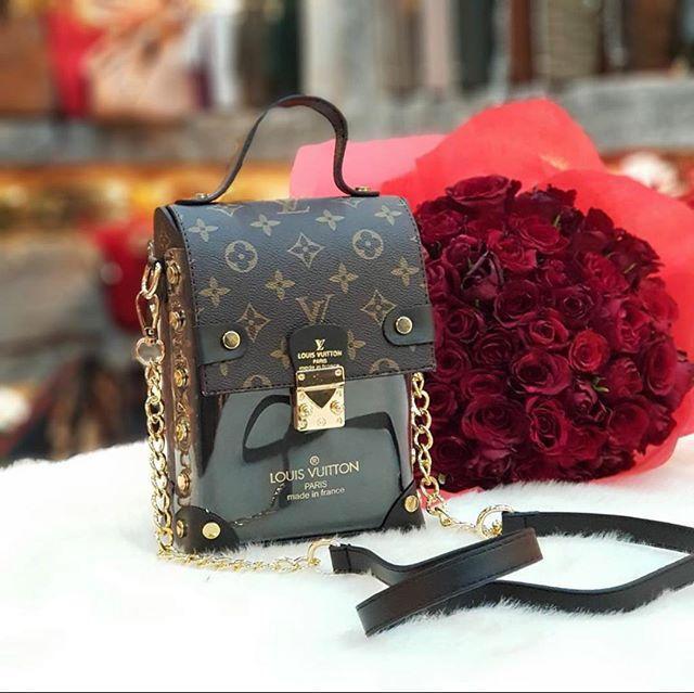Сумка клатч Louis Vuitton LV (реплика  луи витон)