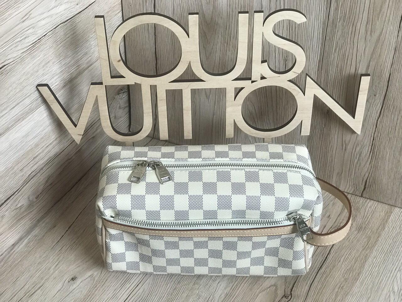 Стильная  барсетка клатч Louis Vuitton реплика  LV white