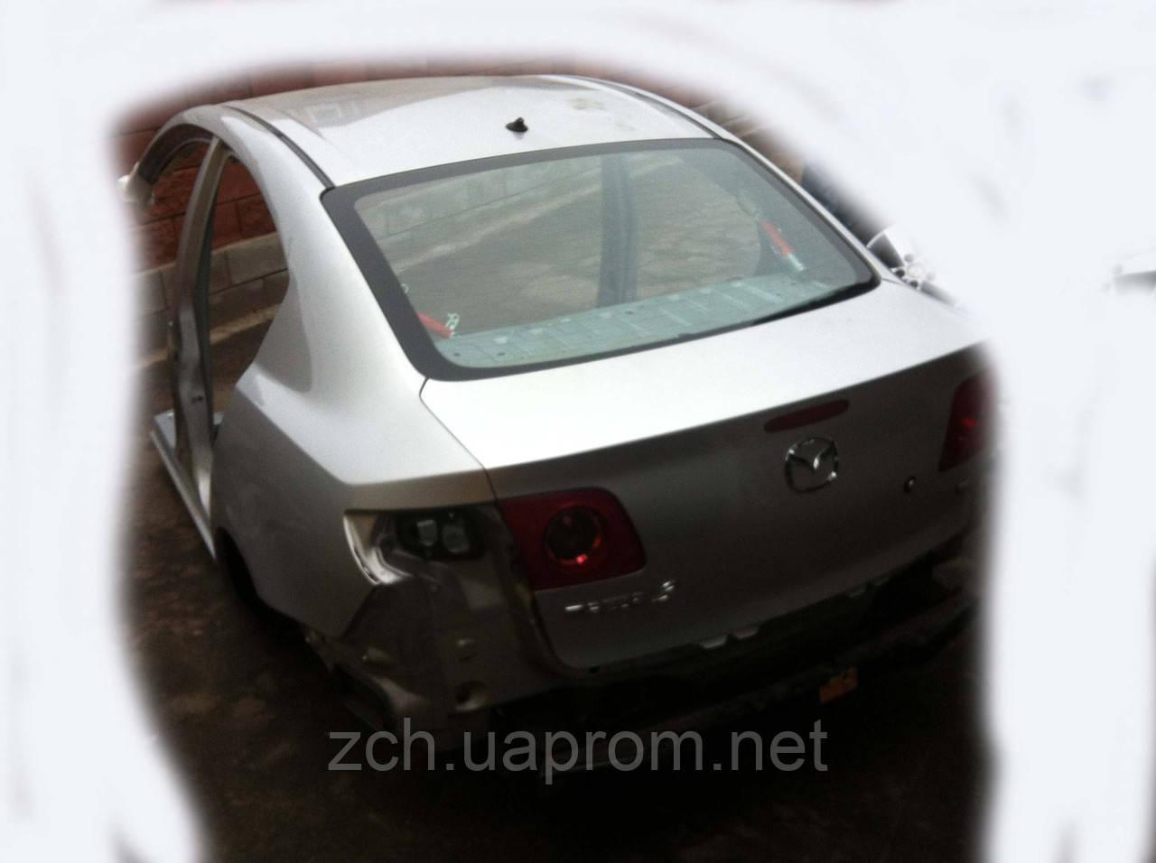 Стекло заднее Mazda 3 Хэтчбек