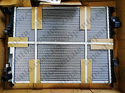 Радиатор охлаждения Renault Trafic Opel Vivaro 1.9dCi +AC NRF