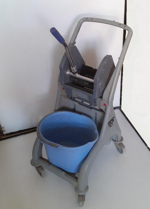 Тележка для уборки со встроенным отжимом Nick TTS 25L Б/У (без ведра)
