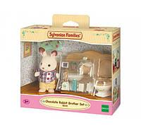 Шоколадный братик кролик в уборной sylvanian families chocolate rabbit brother set
