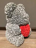 Мишка из роз 40 см серый (красное сердце) 830096