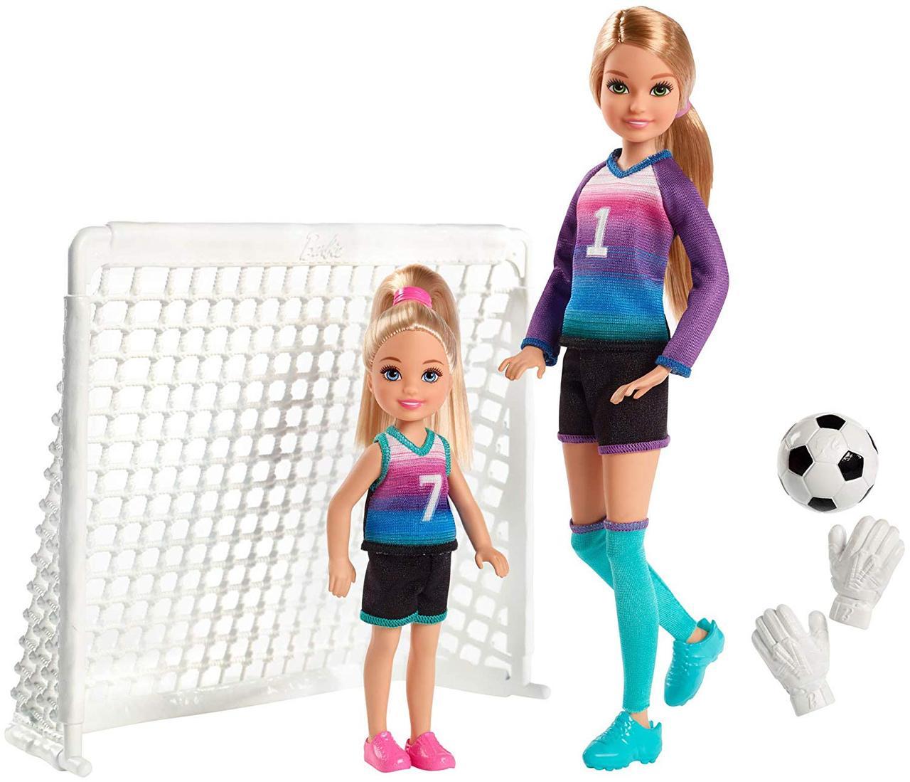 Ігровий набір ляльки Барбі Стейсі і Челсі футболістки