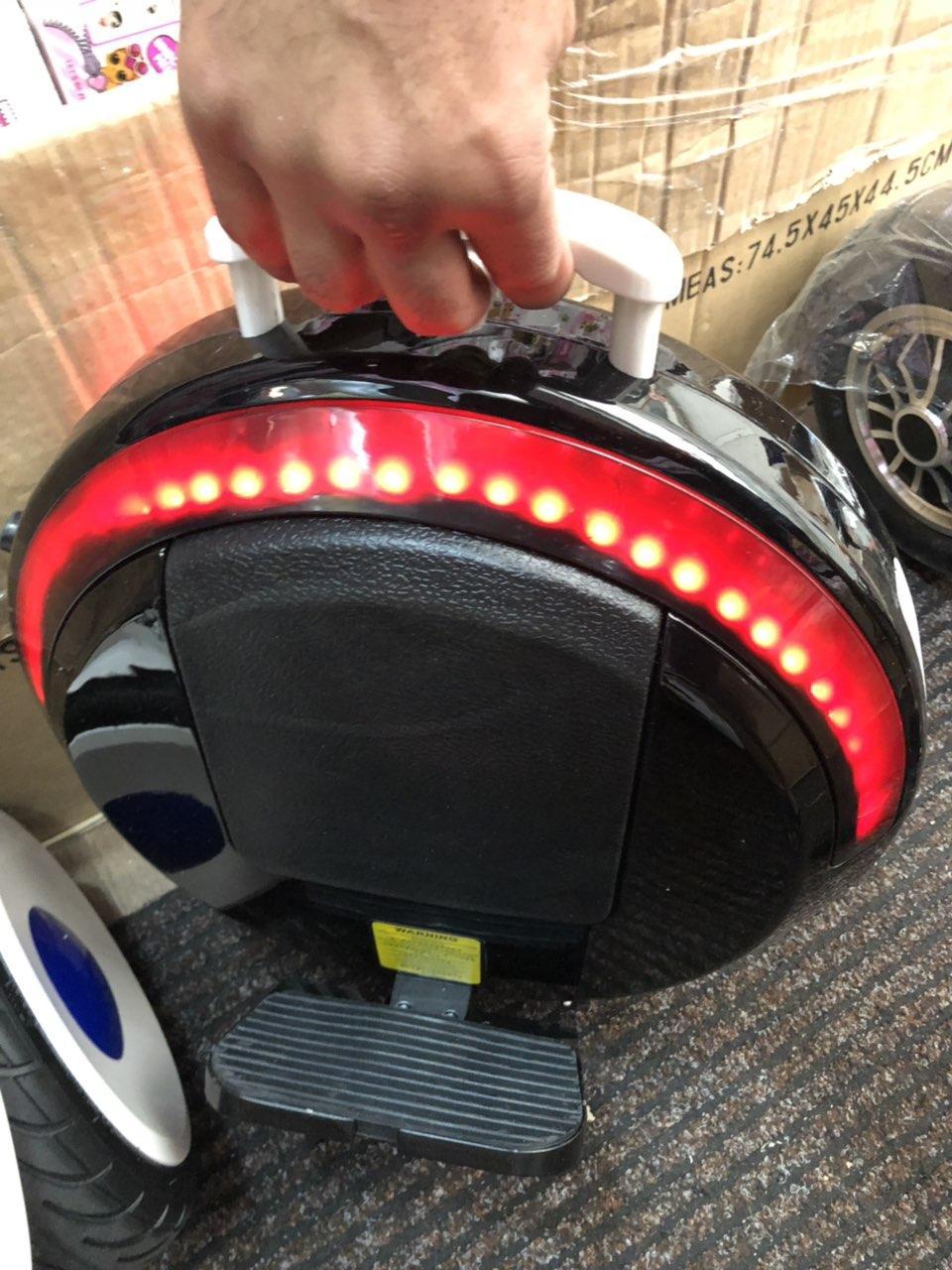 """Моноколесо 14""""  Segway one E+ с вспомогательными колесами, подсветкой. Моноцикл сигвей, гироскутер, гироборд. Черная"""