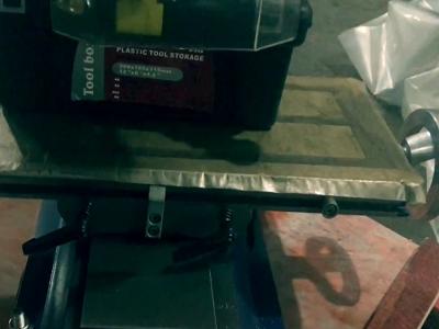 Большой и удобный рабочий стол фрезерного станка Zenitech BFM 25 Vario