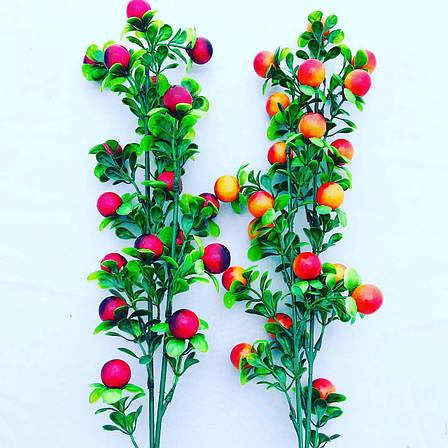Декоративная, пластиковая ветка с красными ягодами ., фото 2
