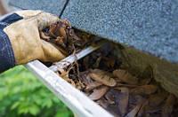 Чистка, обслуживание, ремонт водосточной системы крыши желобов