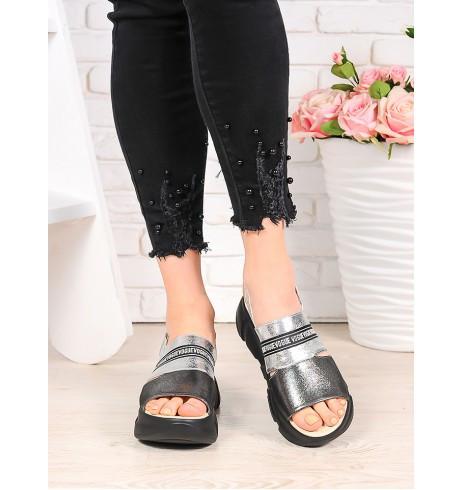 Женские кожаные сандалии на платформе черной 75OB03