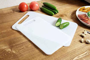 Разделочная доска из пластика 40х26 см