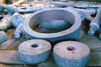 Поковки, изготавливаемые свободной ковкой на прессах и молотах по ГОСТ 8479-70, 25054-81