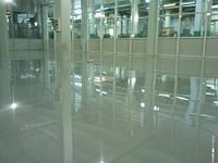"""Устройство промышленного полимерного покрытия типа """"налив"""" от 2 мм для производственных помещений, складов."""