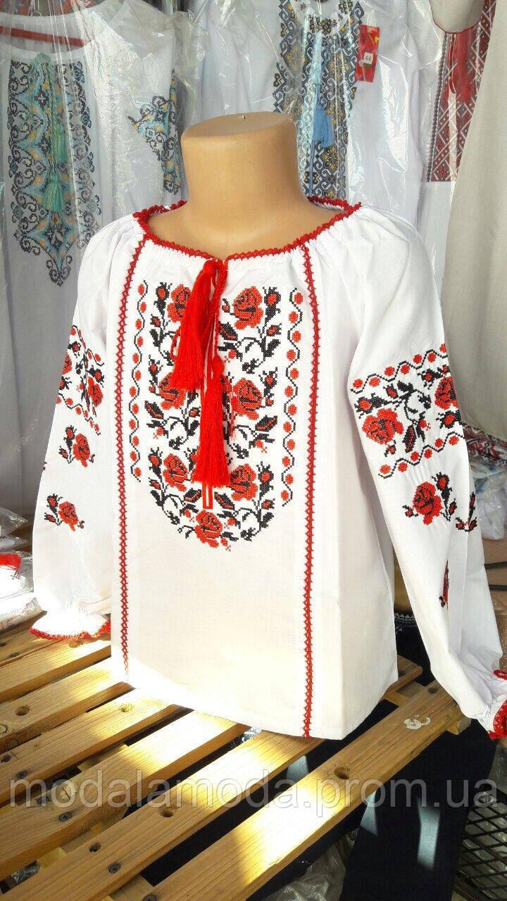 Вышиванка для девочки с цветочным орнаментом