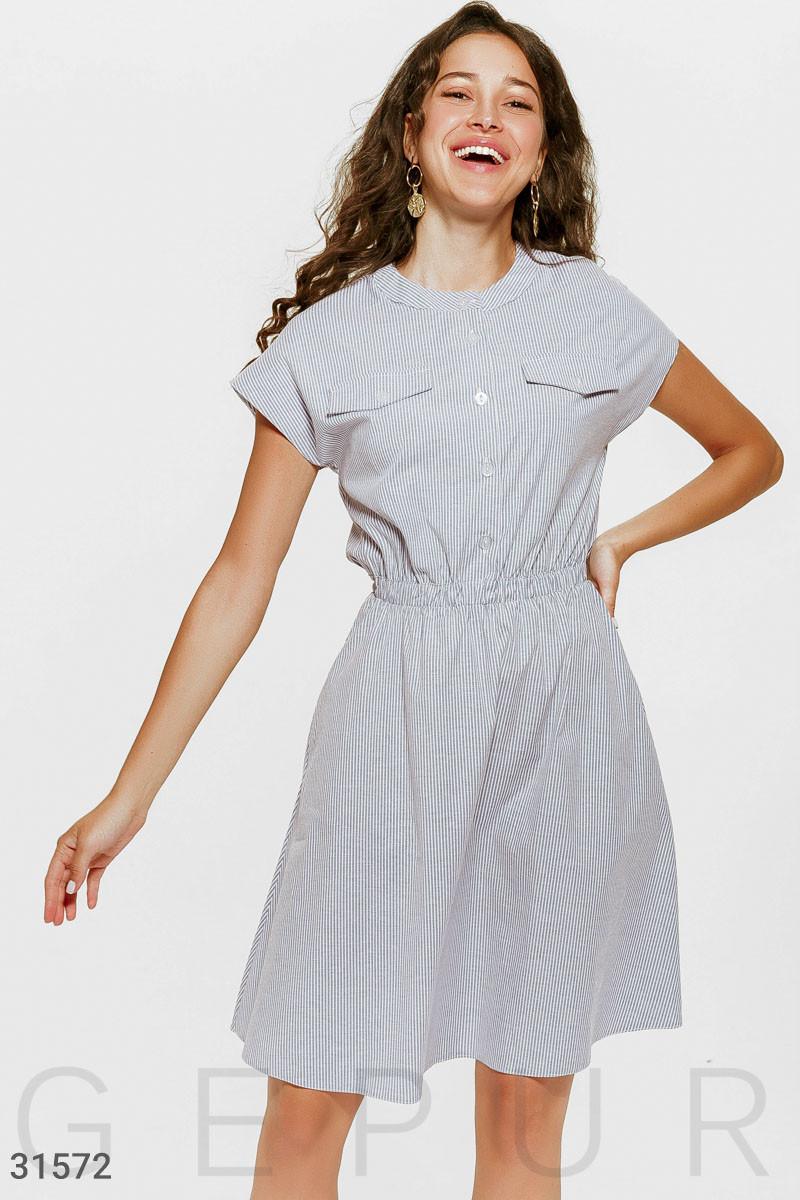 Котоновое платье в мелкую полоску на пуговицах
