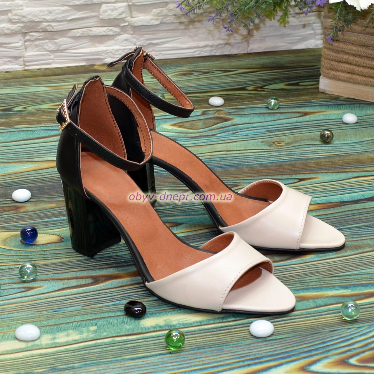 Босоножки женские кожаные на каблуке, цвет бежевый/черный