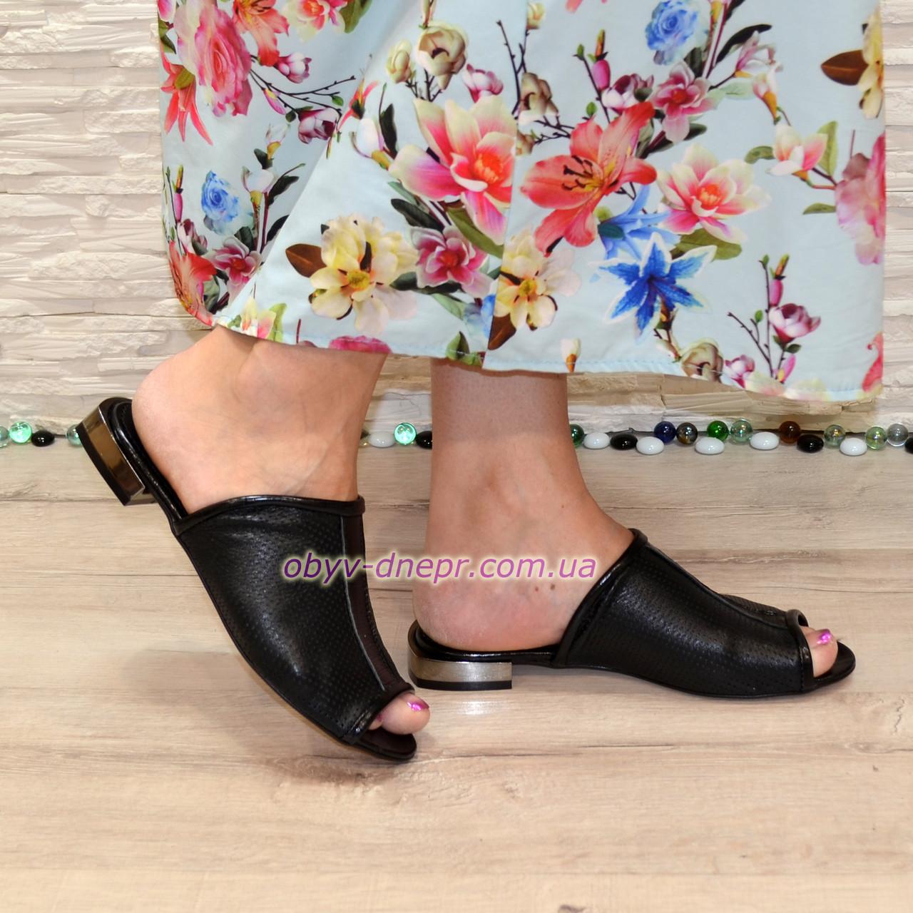 Шлепанцы женские комбинированные на маленьком каблуке