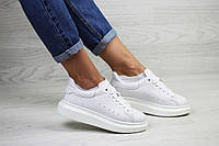 Женские кроссовки белые Alexander McQueen 7965