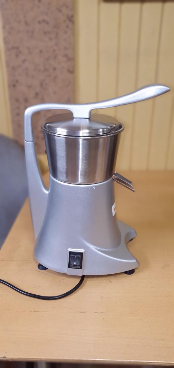 Соковыжималка для цитрусовых Frosty CJ5 электрическая с прижимным рычагом