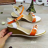 Женские босоножки на платформе. Оранжевые с белым. В наличии: 38,39 р.