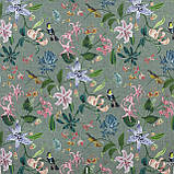Декоративная ткань с крупными цветными растениями и птицами на сером 84295v2, фото 2