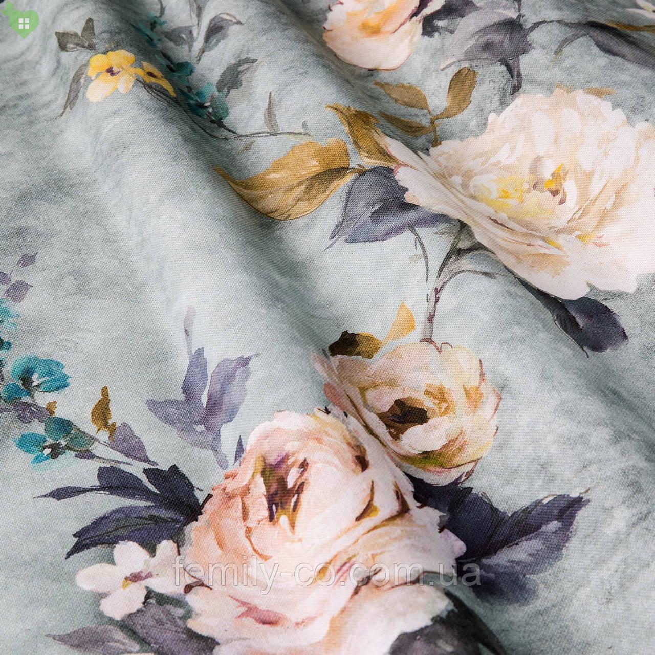 Декоративная ткань с мелкими бутонами розовых и бежевых цветов на голубом фоне Испания 83432v3