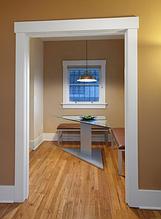 Декор дверей, обрамление дверных проемов,фронтоны.