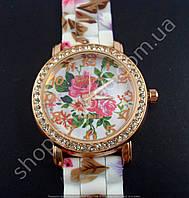 Часы женские наручные Geneva 013281 золото цветы