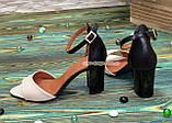 Босоніжки жіночі шкіряні на підборах, колір бежевий/чорний, фото 2