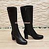 Сапоги   кожаные  на каблуке, декорированы ремешком и пуговицами, фото 2