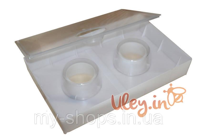 Кормушка квадратная с двумя стаканами 2,8 литра