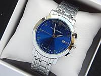 Кварцевые наручные часы Burberry серебро, синий циферблат, календарь
