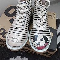 Женские осенние ботинки с принтом Dogo