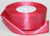 Лента атласная. Цвет - розовый насыщенный. Ширина - 2,5см, длина - 23м