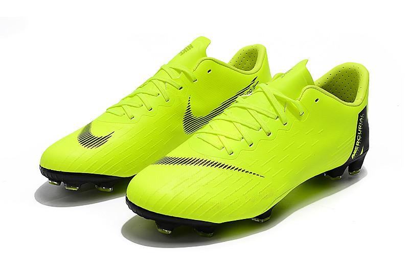 Футбольные бутсы Nike Mercurial Vapor XII Academy FG