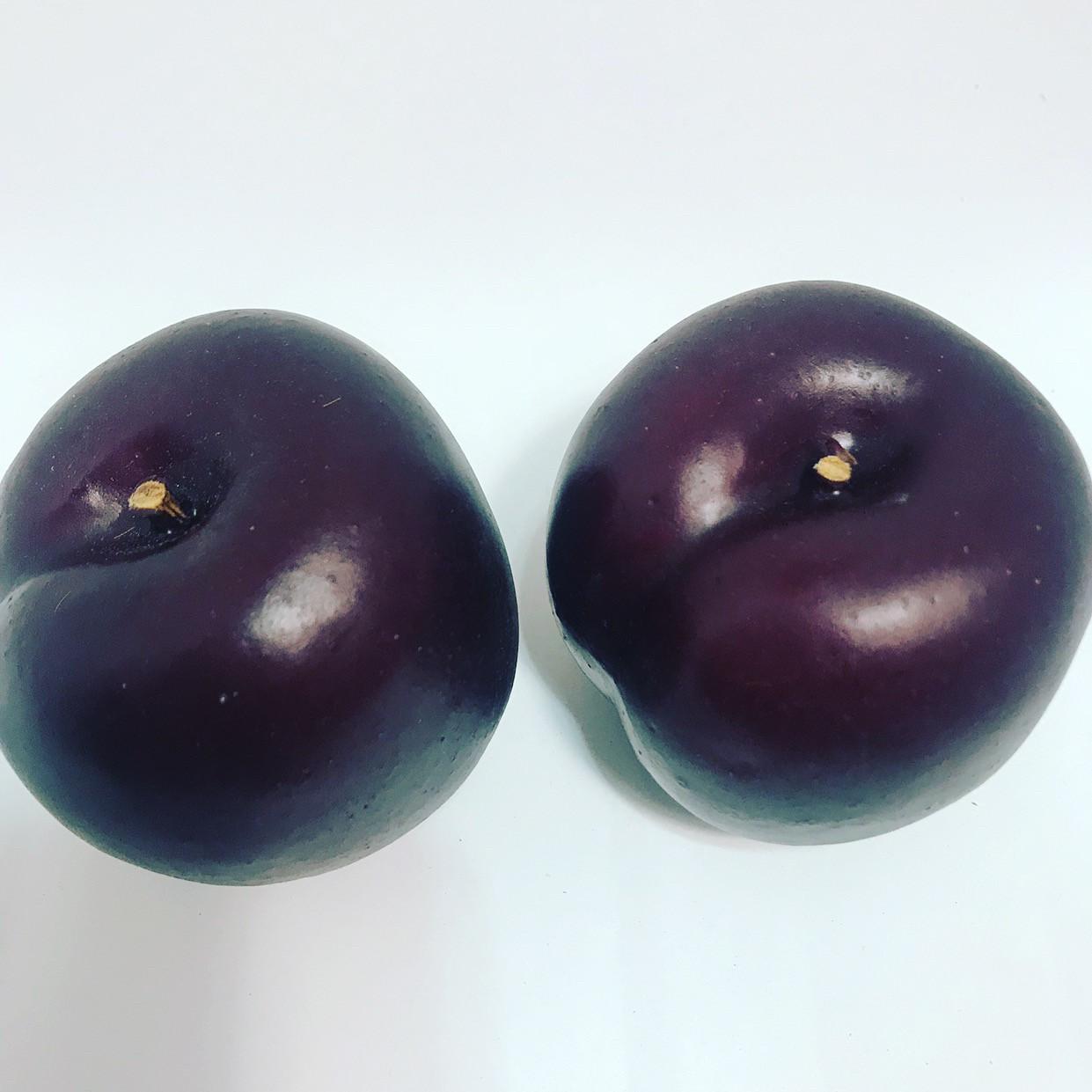 Искусственный фрукт-слива,муляж сливы